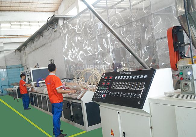 瓦纳尔PVC落水系统生产线